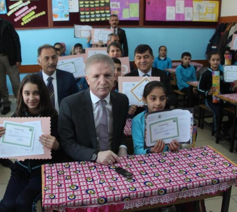 Gaziantep'te, 590 bin öğrenci karne aldı