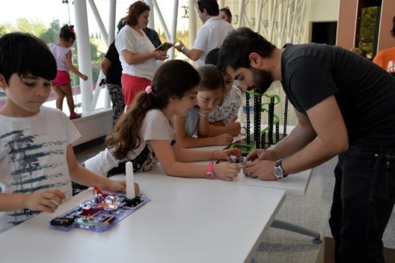 Uludağ Üniversitesi'nden, çocuklara kodlama eğitimi