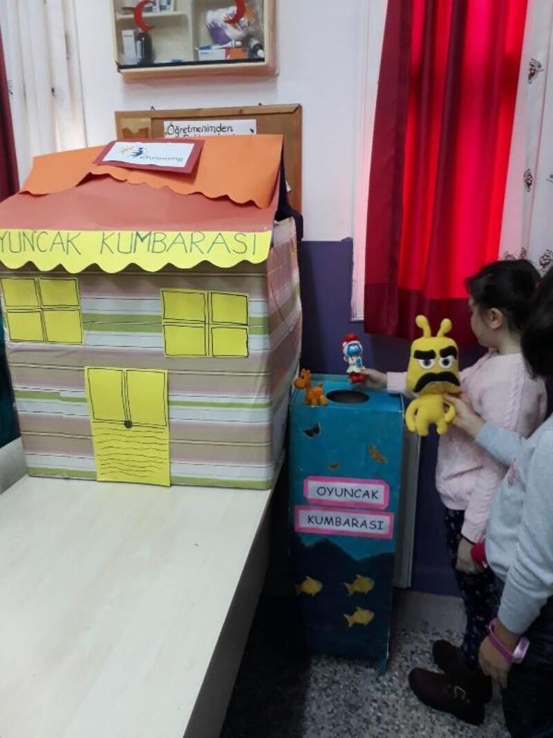 Öğrencilerden oyuncak kampanyası
