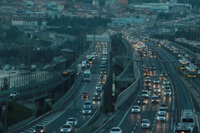 Haliç Köprüsü'ndeki kaza trafik yoğunluğuna neden oldu