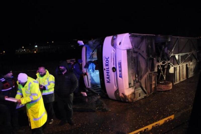 Yalova'da otobüs devrildi: 12 yaralı