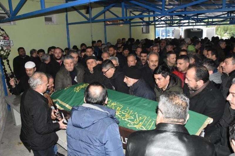 Fabrikadaki iş kazasında ölen işçi toprağa verildi