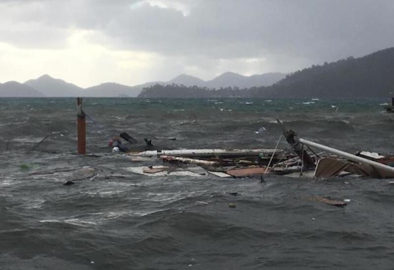 Fethiye'de tekne battı, Seydikemer'de sel suları kanyonu doldurdu