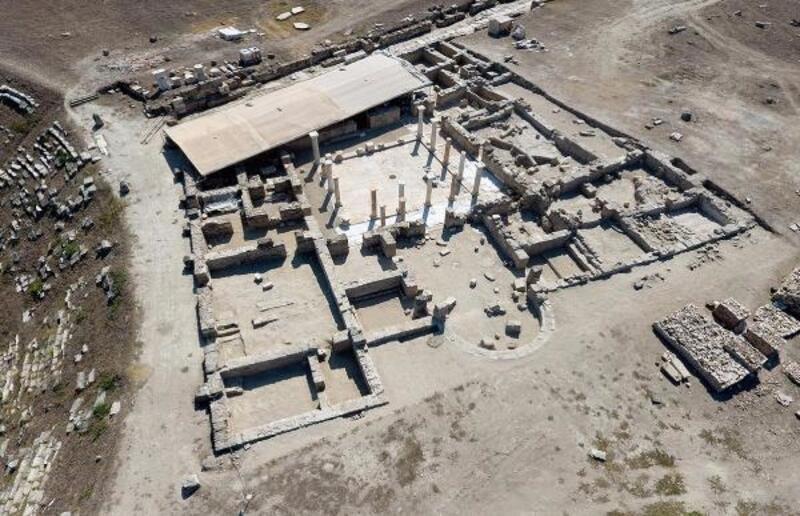 Antik kentteki 2200 yıllık tiyatroya biletle giriliyormuş