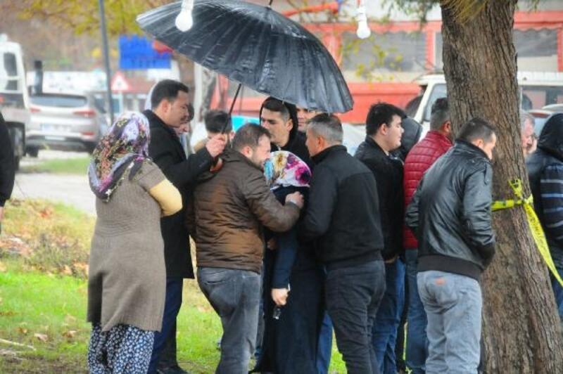Adana'da otomobil göle uçtu: 1 ölü