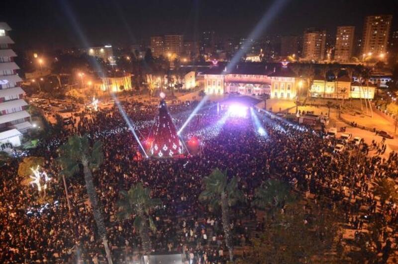Adana Büyükşehir Belediyesi'nden yılbaşı konseri