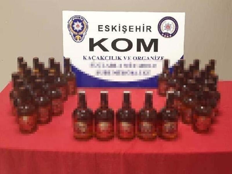 Eskişehir'de 35 şişe kaçak viski ele geçirildi