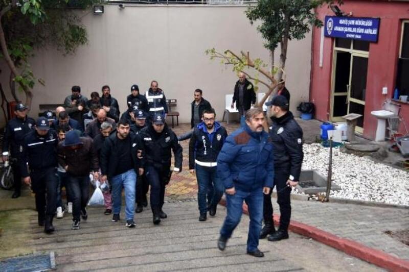 Antalya'da 'aranan' 147 kişiye gözaltı