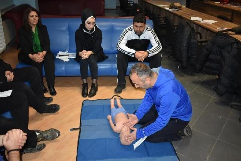 Gençlik ve Spor İl Müdürlüğü personeline 16 saatlik ilk yardım eğitimi verildi