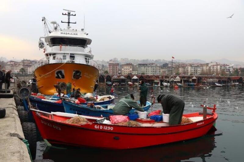 Küçük ölçekli avcılık yapan balıkçılar dertli