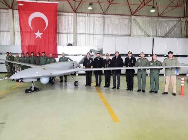 Deniz Kuvvetleri Komutanı Özbal, Çanakkale'de SİHA'ları denetledi