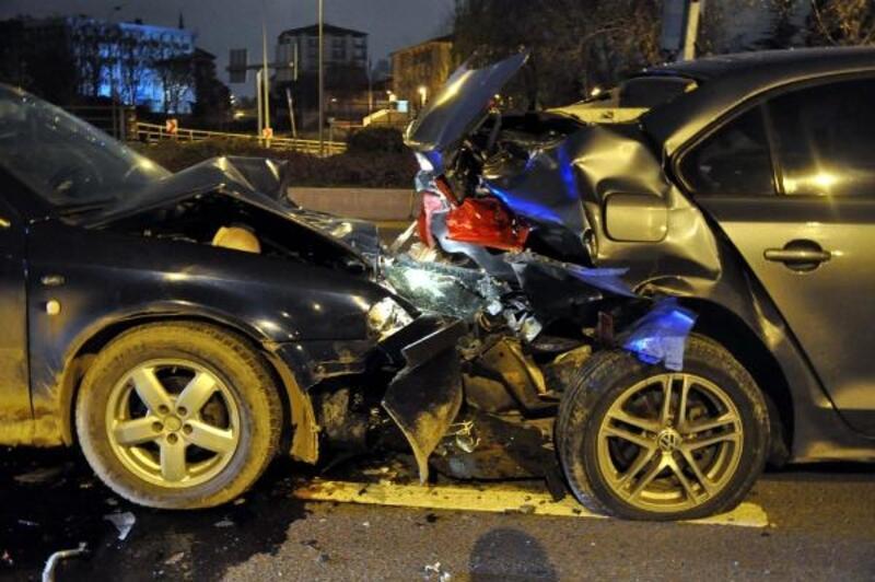 Alkollü ve ehliyetsiz sürücü kazaya neden oldu: 2 yaralı