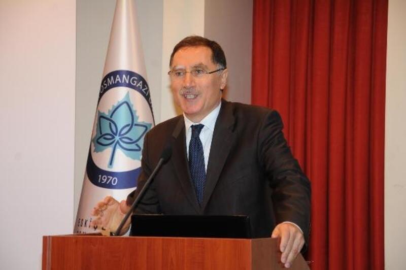 Şeref Malkoç: Adaleti, kamu görevlilerinin çok daha titiz uygulaması gerekir