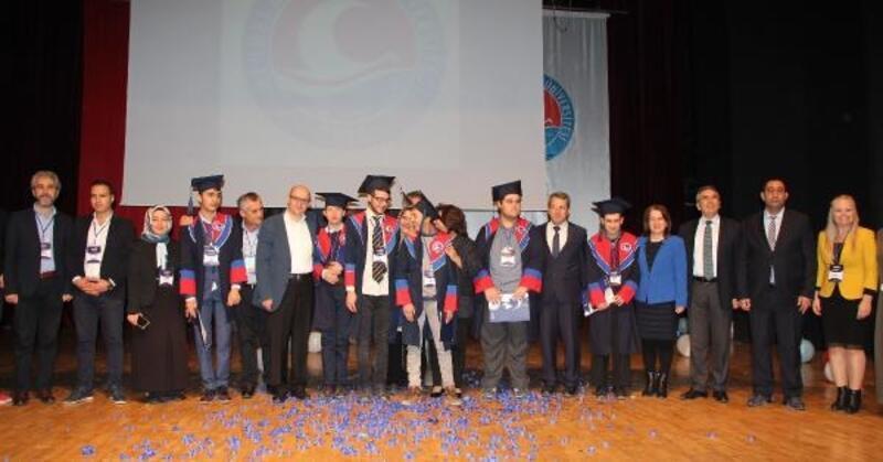 Engelli öğrencilere mezuniyet töreni