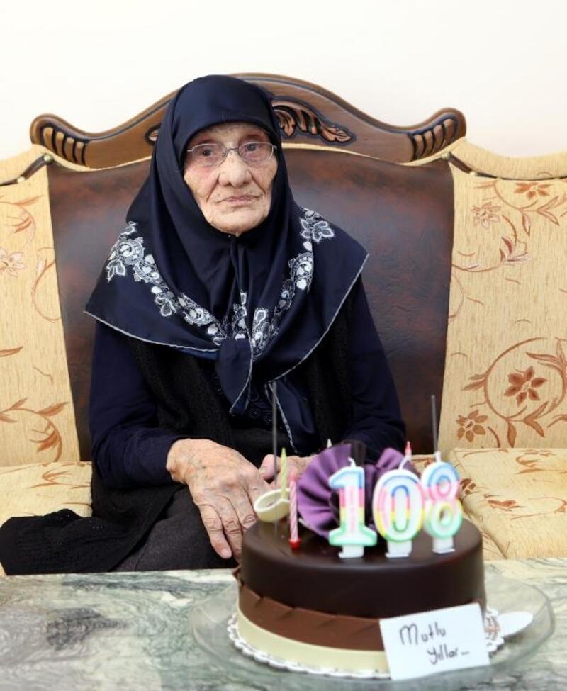 108 yaşında ilk kez doğum gününü kutladı