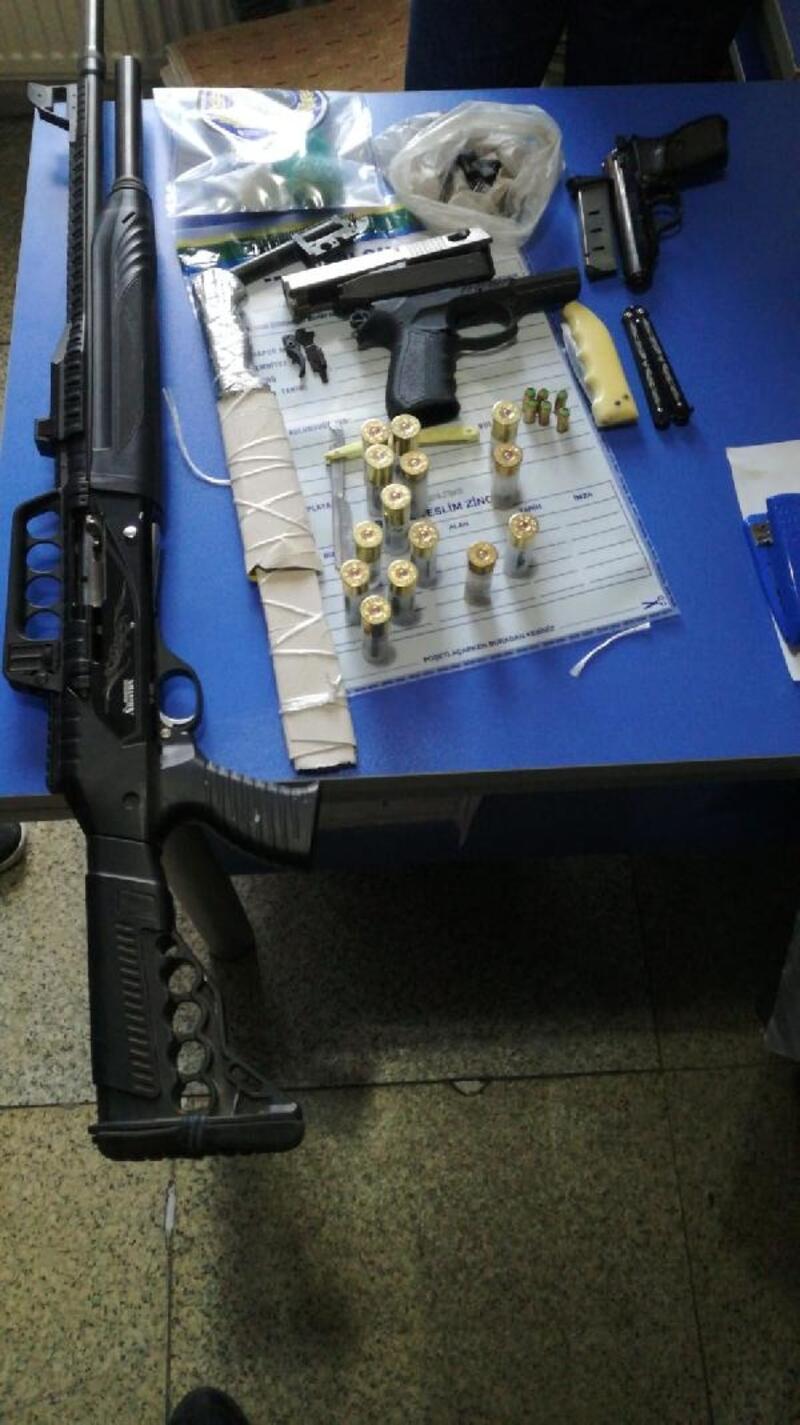 Bekçilerden kaçan 3 şüpheli, silah ve uyuşturucu ile yakalandı