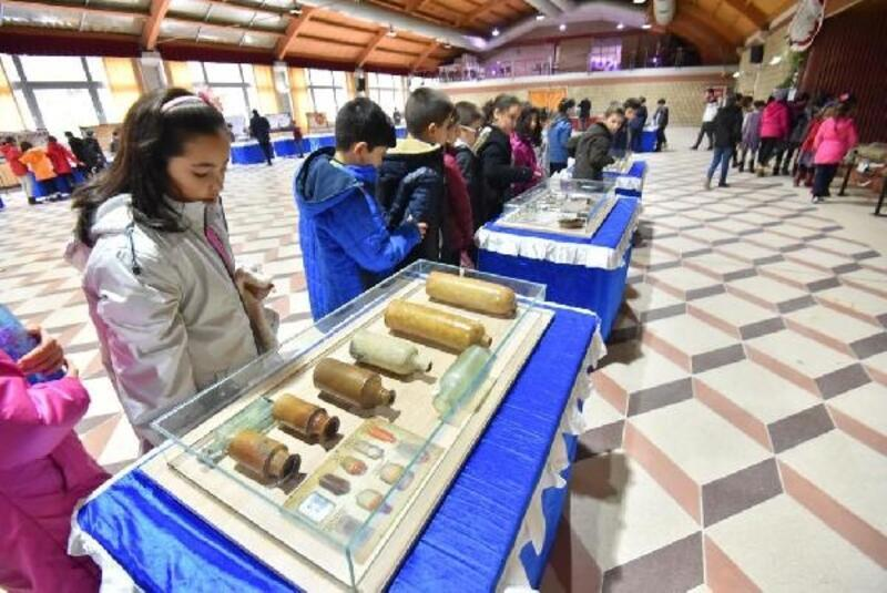 Kemalpaşa'da Çanakkale Savaş Malzemeleri Müzesi sergisi