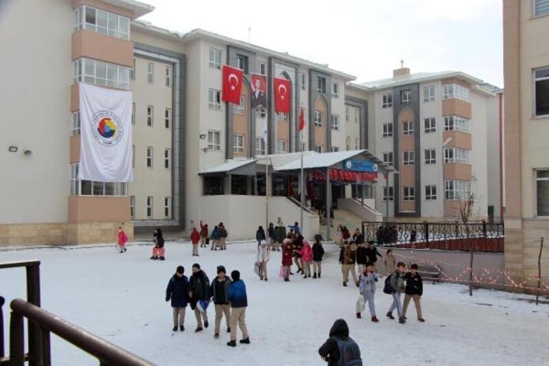 Hisarcıklıoğlu, ikinci kez okulun açılışına katılamadı