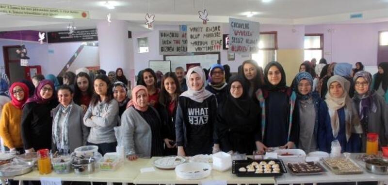 Öğrencilerden Yemen'e yardım kermesi