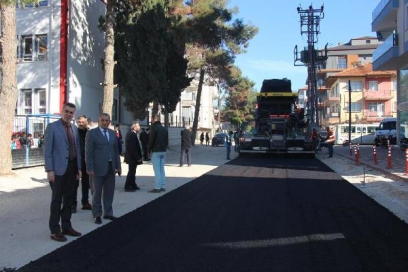 Bucak'ta asfalt çalışmaları