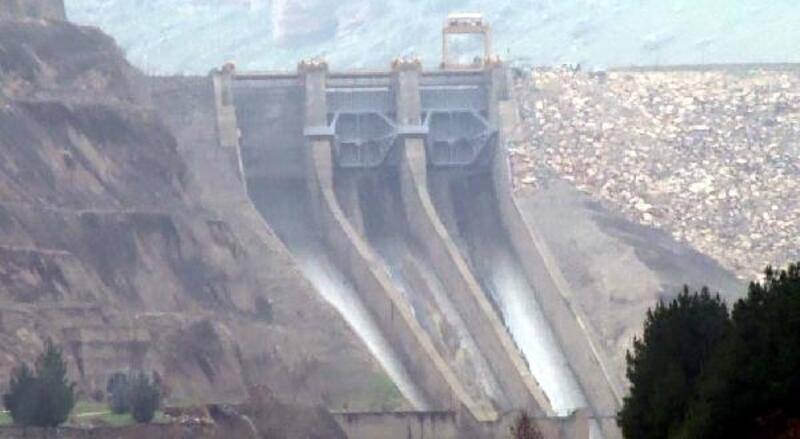 Dicle Barajı'nda kopan kapağın yerine yenisi takıldı