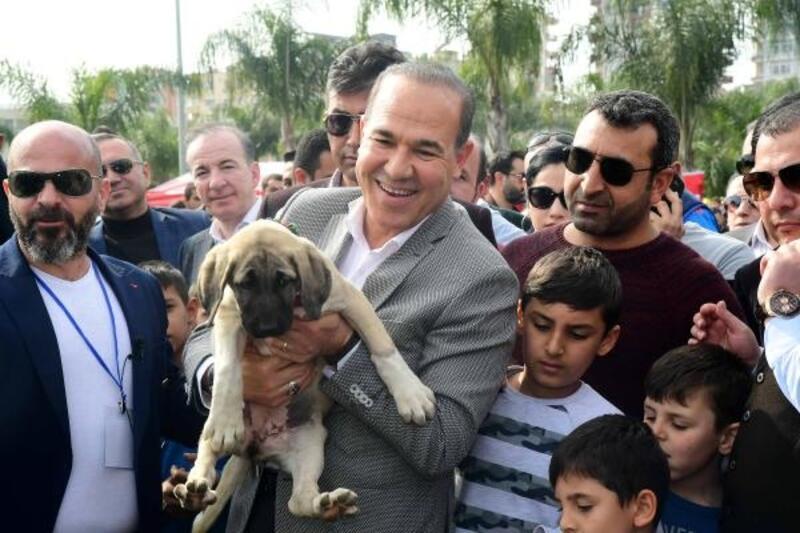 Sözlü:Her okul, her fabrika 2 köpeği sahiplenecek