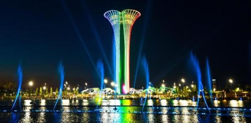 690 basamaklı Expo Kulesi'ne tırmanma yarışı