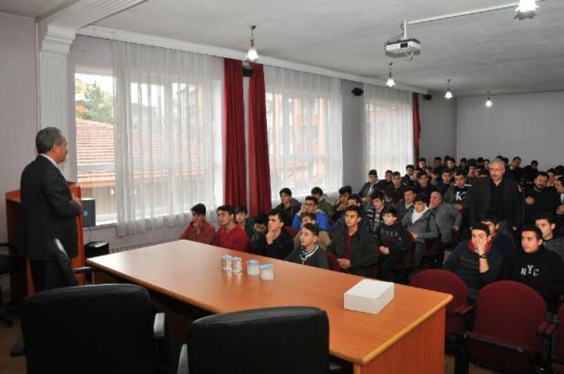 Başkan Akkaya, öğrencilerle bir araya geldi