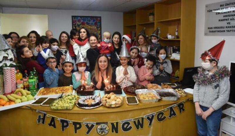Hasta çocuklar yeni yıldan sağlık diledi