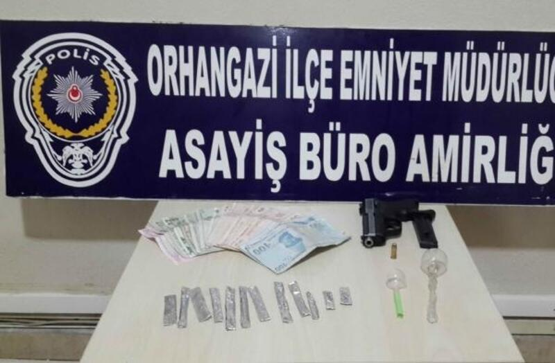 Bursa'da, durdurulan araçtan uyuşturucu çıktı