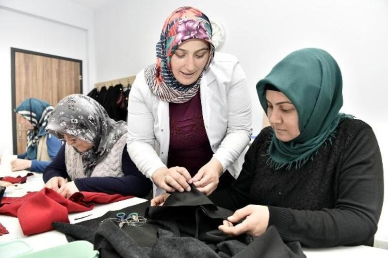 Mamak'ta kadınlar kendilerini Aile Merkezlerinde geliştiriyor