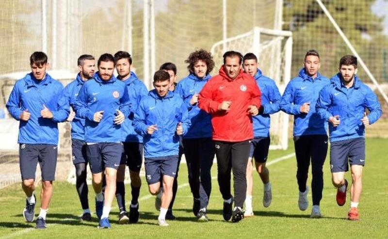 Antalyaspor, Fenerbahçe maçının hazırlıklarına başladı