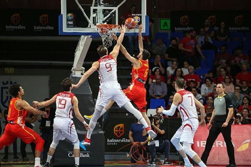 A Milli Erkek Basketbol Takımı, İspanya'ya 74-58 yenildi