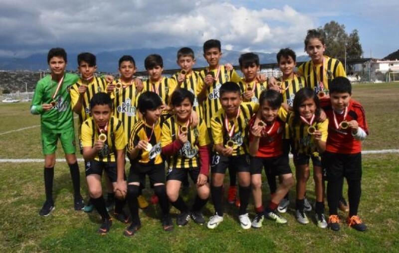 Beymelek U13 takımı şampiyon