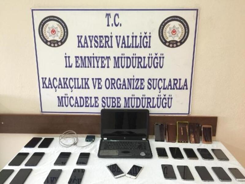 Kayseri'de 27 kaçak cep telefonu ele geçirildi: 3 gözaltı