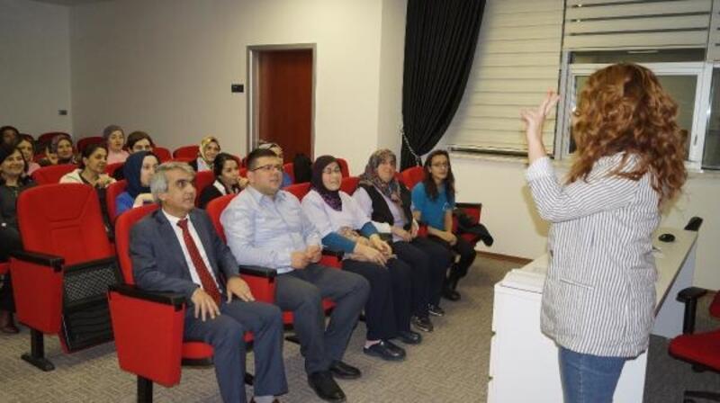 Sağlık personeline işaret dili eğitimi