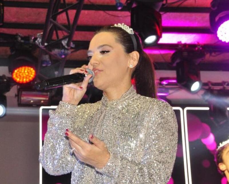 Türkbeleni Demet Akalın konseriyle açıldı