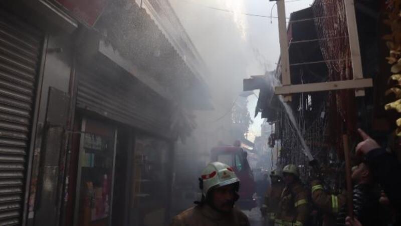 Tahtakale Çarşısı'nda işyeri yangını