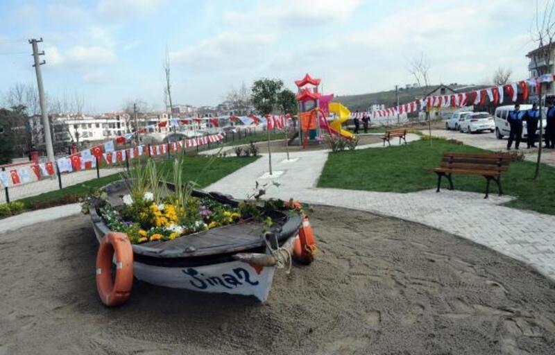 Kerç Boğazı'ndaki yangında ölen iki denizcinin adı Yalova'da parka verildi