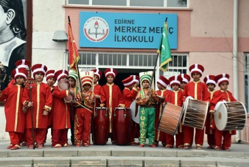 Edirne'de öğrencilerin devamsızlığı, mehter takımıyla önlendi