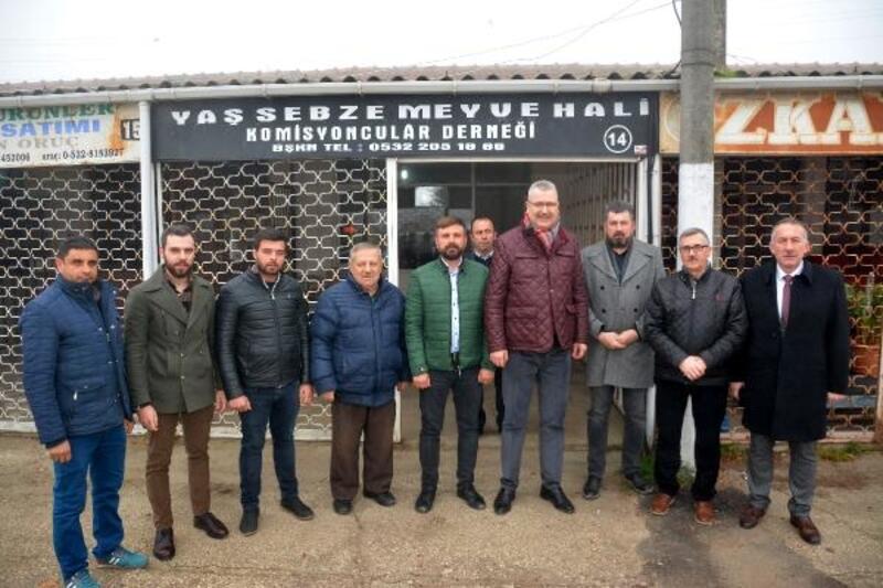 Başkan Özkan, Hal esnafını ziyaret etti
