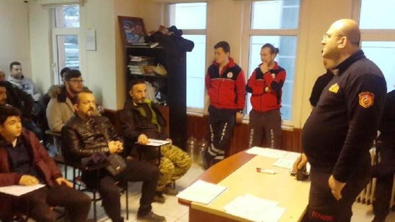 Yeni gönüllü itfaiyecilerin eğitimi başladı