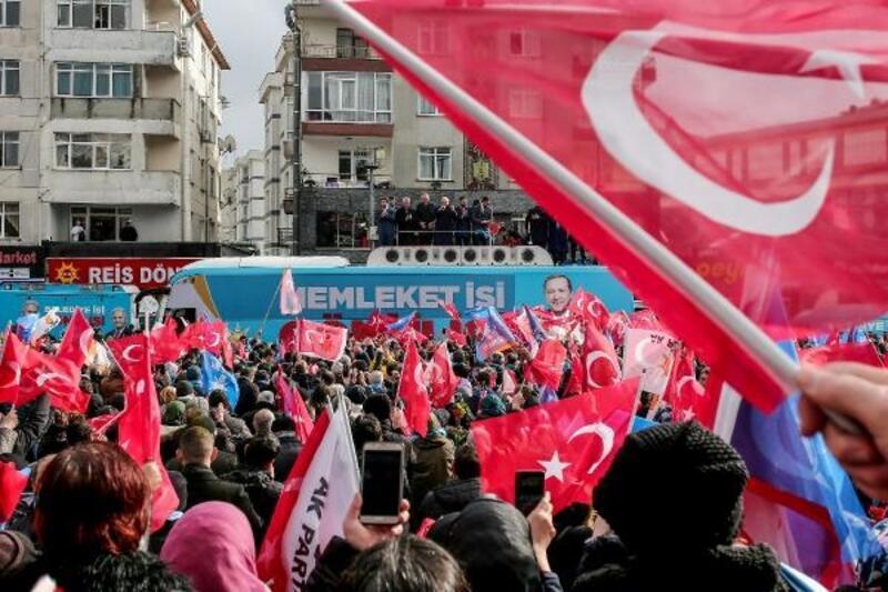 Binali Yıldırım Çekmeköy'de halka seslendi