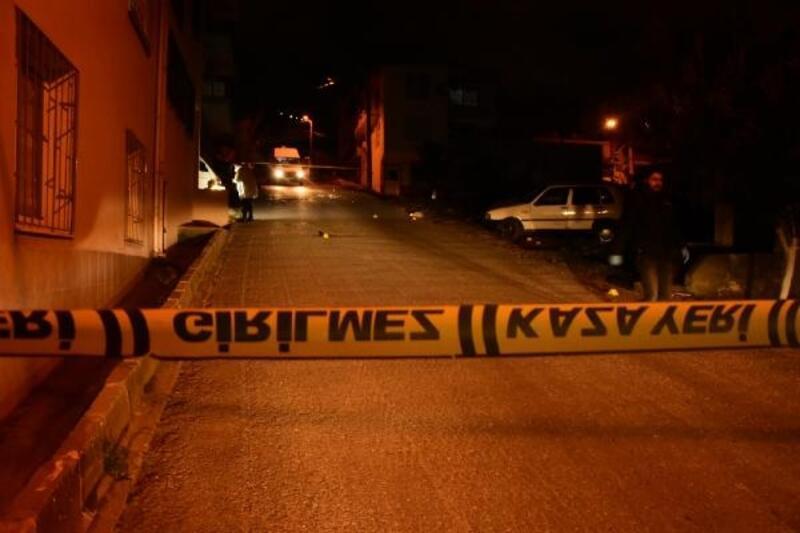 Otomobilinde uğradığı pompalı tüfekli saldırıda ağır yaralandı