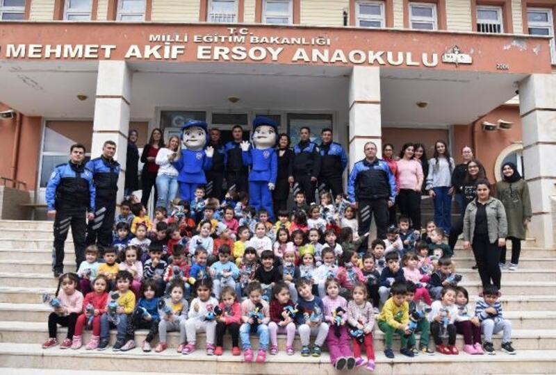 Anaokulu öğrencilerine 'Polis Amca'yı tanıttılar