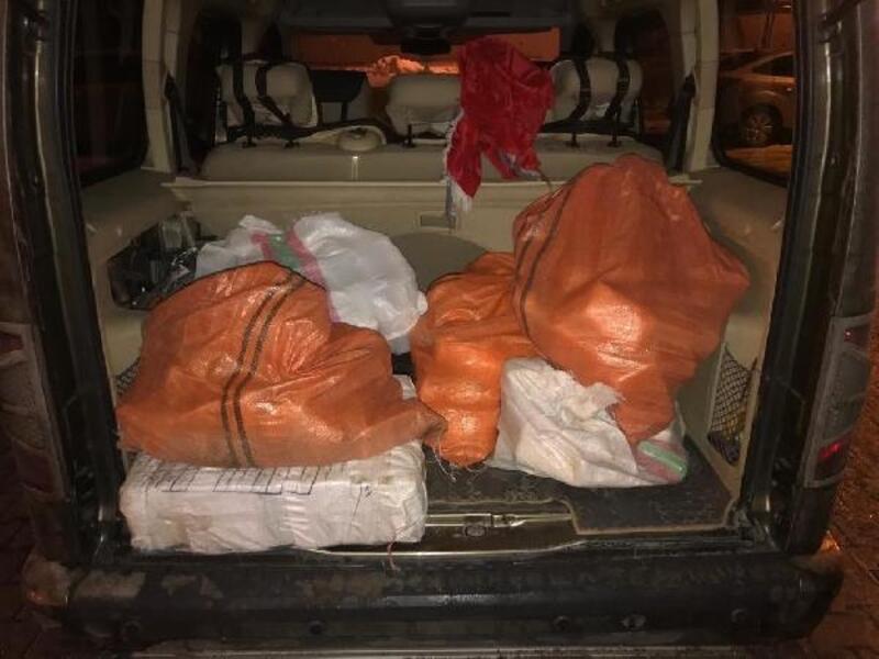 Van'da araç bagajında uyuşturucu ele geçirildi
