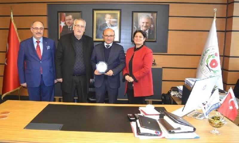 Erzincanlılar'dan Başkan Oral'a ziyaret