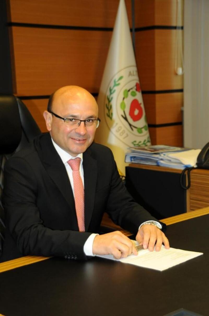 Başkan Oral'dan 'El Emeği Göz Nuru Kadınlar Çarşısı' müjdesi