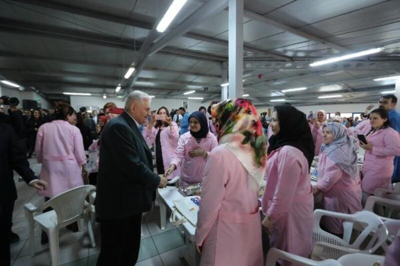 Yıldırım, Pendik'te fabrika işçilerini ziyaret etti