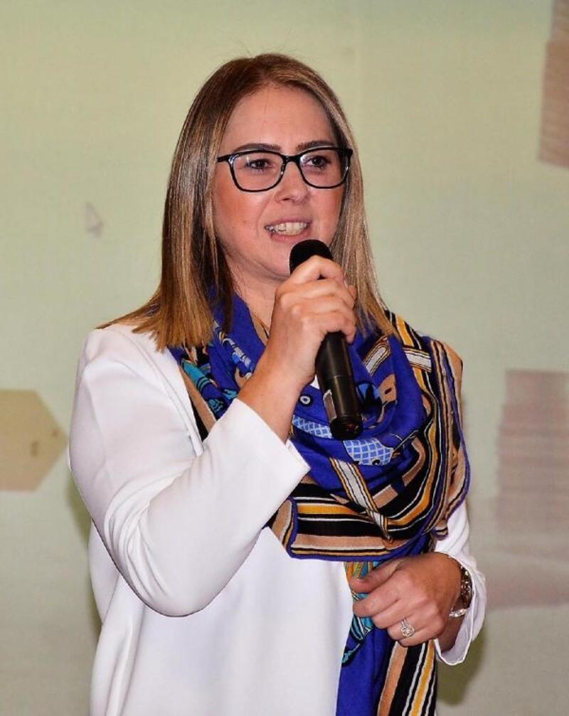 AK Partili Çankırı: Karşıyaka bütçesini kadınlar yönetecek